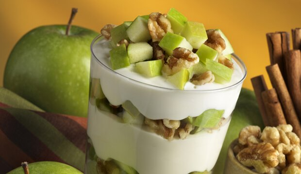 apple yogurt parfait