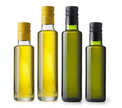 Higher quality olive oils will usually come in darker bottles, to prevent sunlight from turning the oil rancid