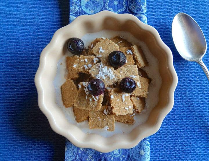 Cinnamon coconut crisps cereal