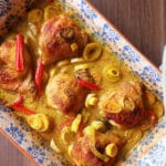 Golden baked chicken with leeks and turmeric